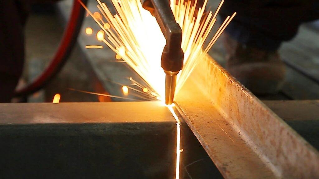 how hot does a plasma cutter get