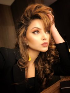 Urvashi rautela viral video