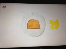 Lege den Käse aufs Brot