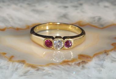 Rubin Ring mit Diamant Gold 750  Second Hand Schmuck