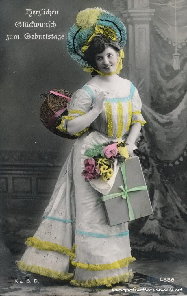 alte Geburtstagskarte mit Dame im Abendkleid