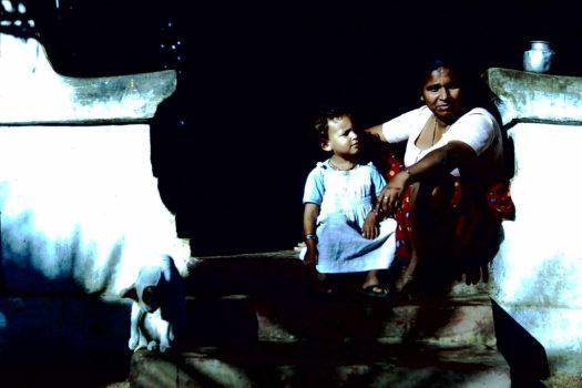 Wassermelönli mit Enkelkind (c)1983 Corinne I Heitz