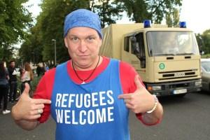 refugees-950338_640