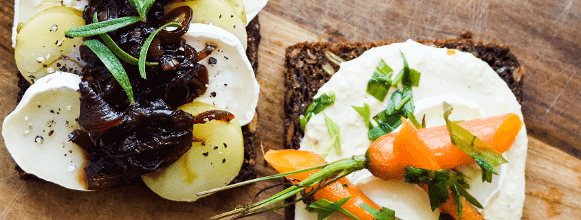 Vegetarisk smørrebrød med gedeost