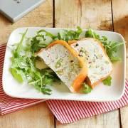 Lakseterrine med fennikel og gedefriskost