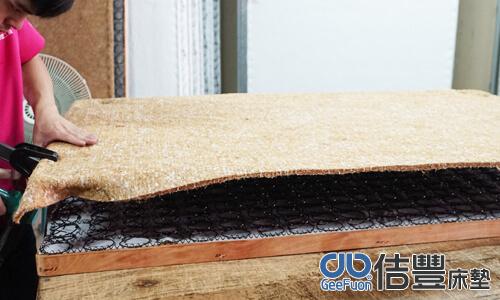 椰子棕通常用於傳統連結式床墊