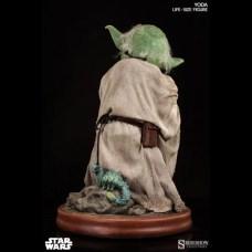 star-wars-statuette-11-yoda-81-cm-1
