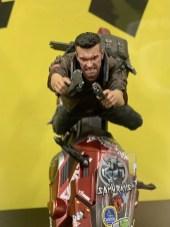 cyberpunk-2077-apercu-statuette-V-collector-2