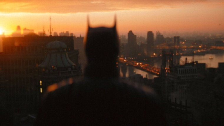 THE BATMAN Director Matt Reeves Shares a New Photo From His DC Film