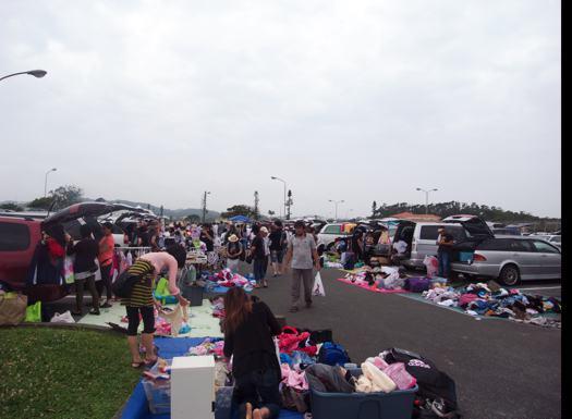 沖縄市の知花フリーマーケット米軍基地キャンプシールズのフリマに行って来た!!