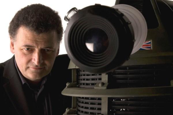 Moffat saluterà il Dottore dopo la decima stagione, ma chi è Chris Chibnall?