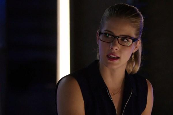 Arrow: una mini Felicity mette le cose in chiaro con Stephen Amell