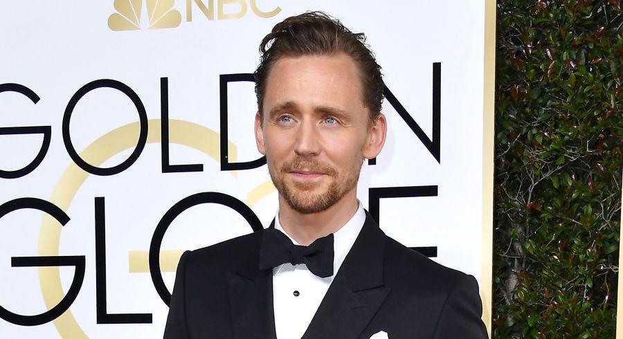 Tom Hiddleston allude al ruolo di Dottor Strange in Thor: Ragnarok