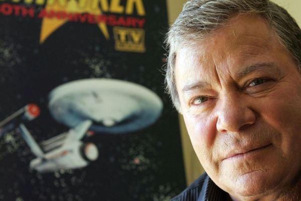 Capitano Kirk chiama Voyager