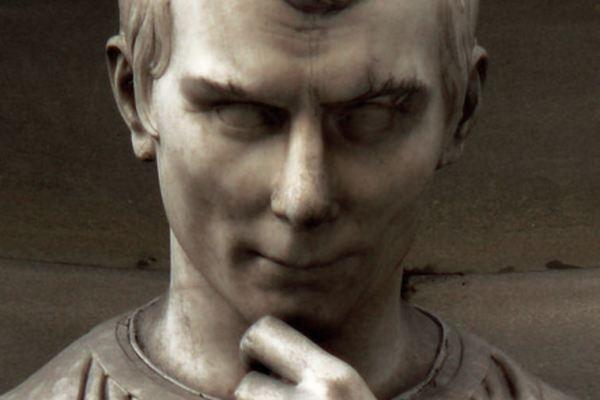 "Al tavolo col prof 2. ""Homo (ludens) faber ipsius fortunae"". Machiavelli, Cartesio, Dice Forge e Kingsburg."