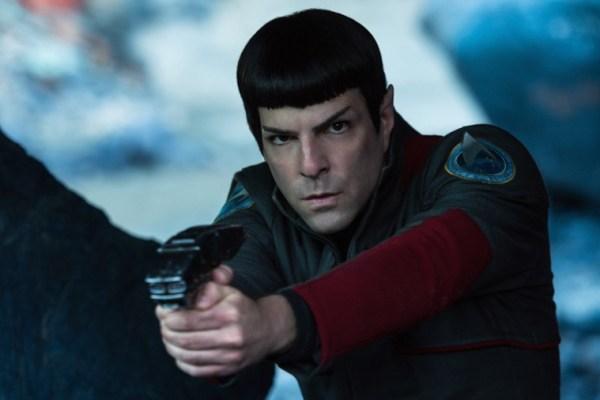Secondo Zachary Quinto Paramount Pictures sta valutando più sceneggiature per il prossimo film di Star Trek