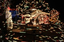 Gilley's Christmas Lights 2018 (29)