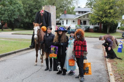 Halloween At Glenwood Terrace 2019 (42)