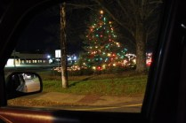 Quintard Avenue Christmas Lights 2019 (37)