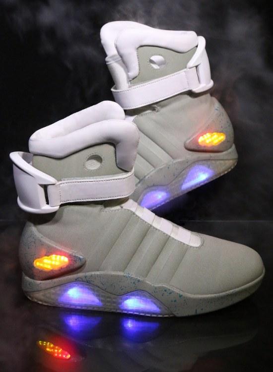 Réplique des souliers de Marty McFly dans Retour vers le Futur 2