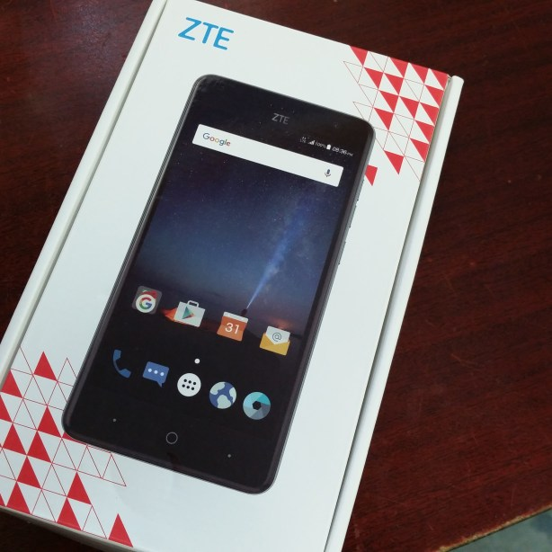 ZTE Grand X 4 - Unboxing 1