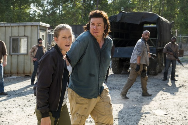 Josh McDermitt - Dr. Eugene Porter, Lindsley Register - Laura - The Walking Dead Saison 7 Épisode 11 - Photo: Gene Page/AMC