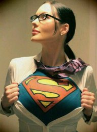 supergirl-cosplay-16
