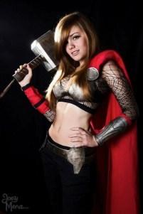 thors-goddess-of-thunder-cosplay-5
