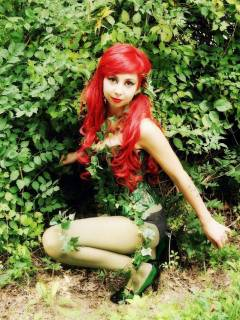 poison-ivy-cosplay-7