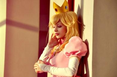 Princess Peach Cosplay 41