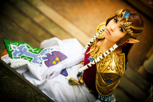 Princess Zelda Cosplay 3