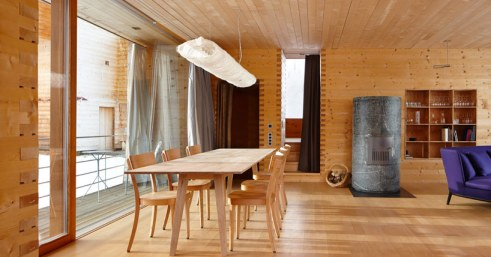peter-zumthor-house-in-leis-designboom07