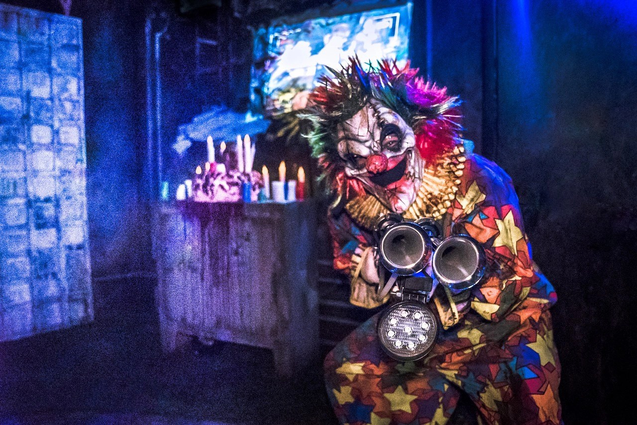 Sep 23, 2021· it happened in many different countries around the world, including canada, the u.s., the u.k. Halloween Horror Nights 6 - The Geek Culture ReviewoooOOOO!   Geek Culture