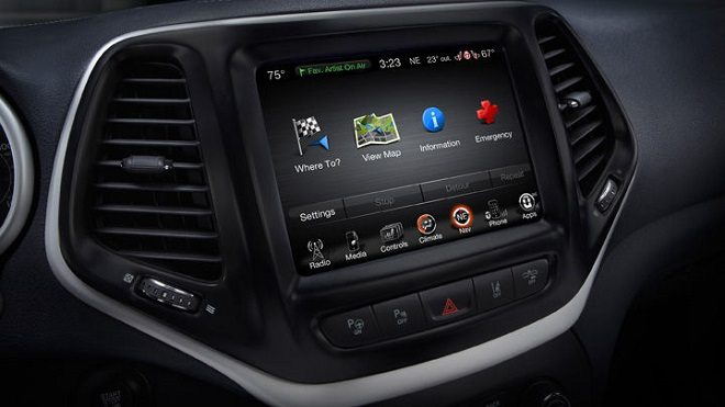2014 Jeep Cherokee Limited, Uconnect, Image: Jeep