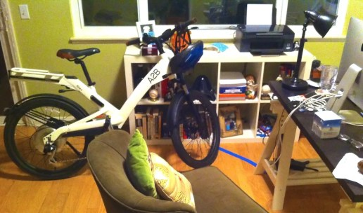 electric bike, bike, win, contest, prize, a2b, hollywood electrics, whit honea, carbon footprint, giveaway