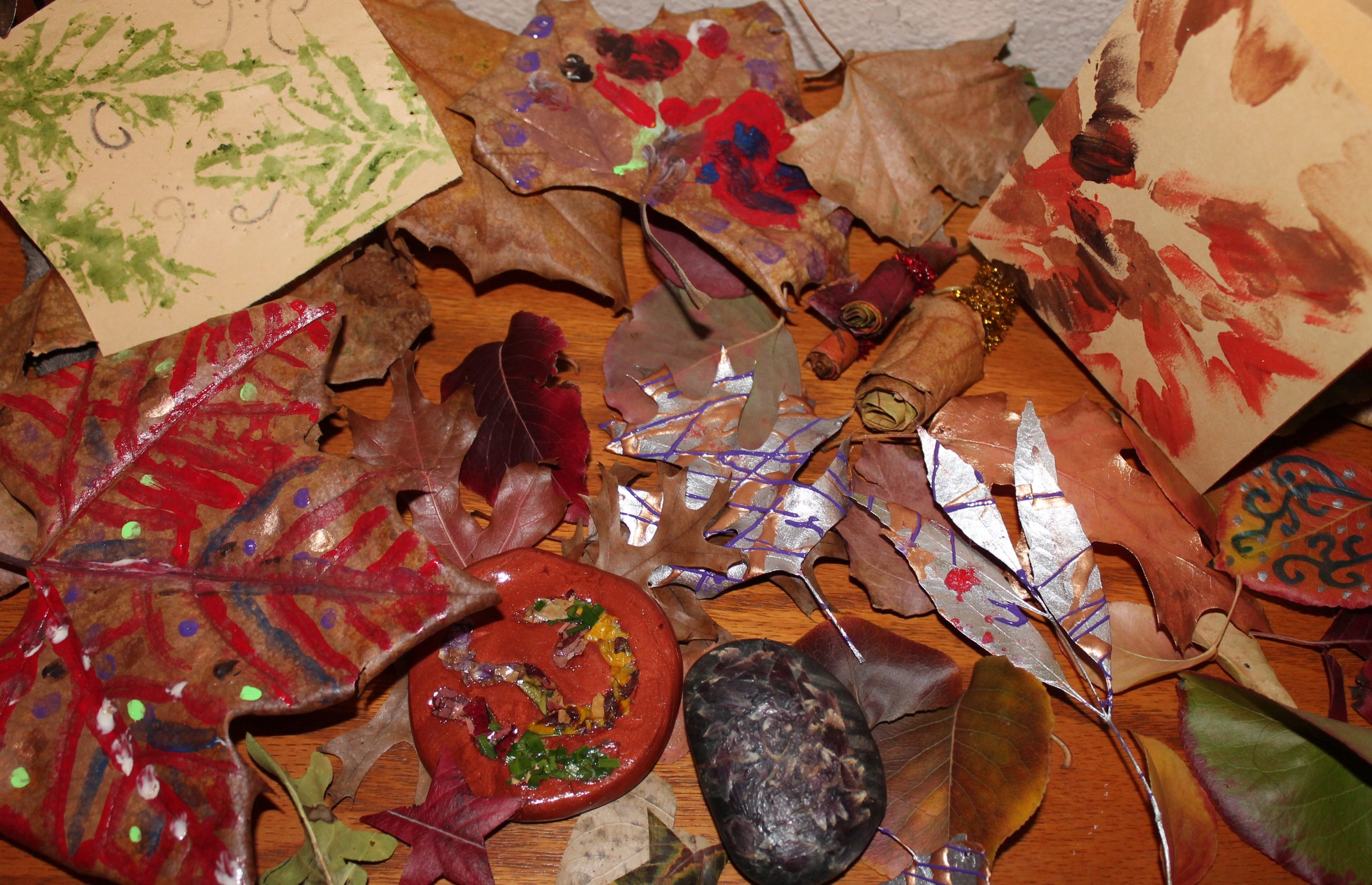 5 Kid-Tested Ways to Create with Autumn Leaves