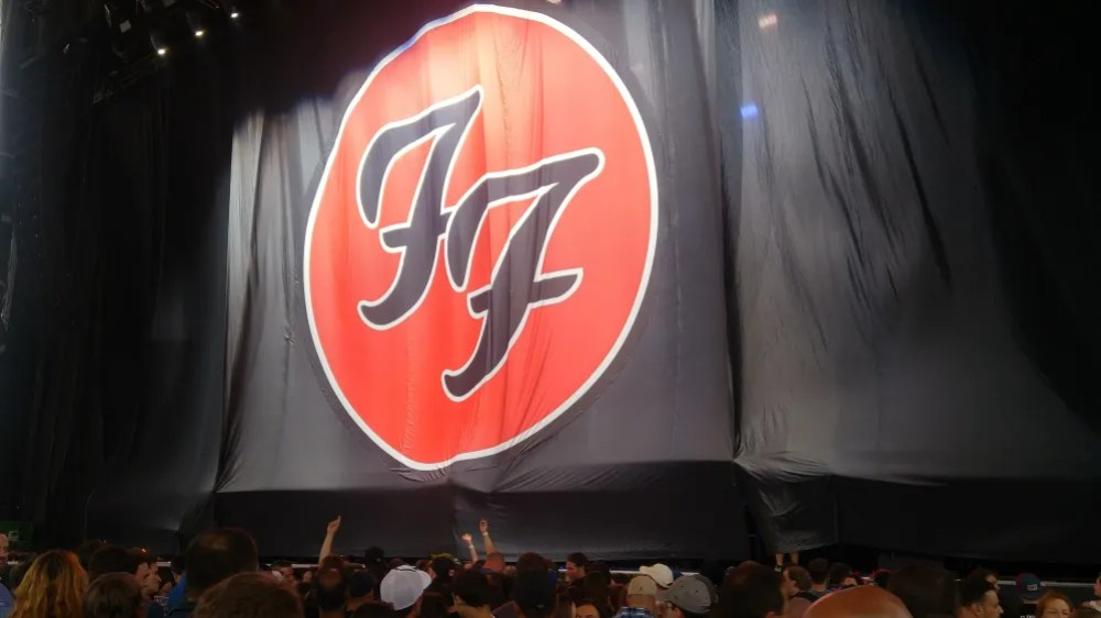 The Foo Fighters pre-show curtain, revealing nothing of the upcoming event. Photo: Stephen Clark