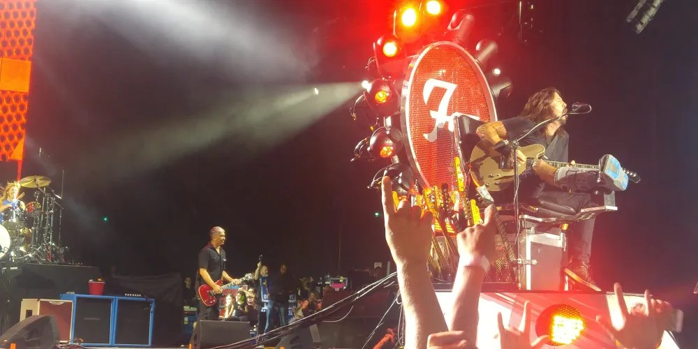 Foo Fighters Toronto Throne