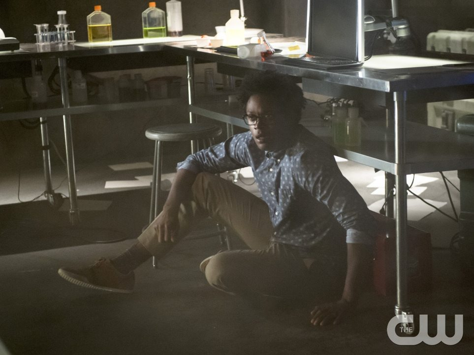 """Arrow -- """"Restoration"""" -- Image AR403A_0138b.jpg -- Pictured: Echo Kellum as Curtis Holt -- Photo: Diyah Pera /The CW -- �© 2015 The CW Network, LLC. All Rights Reserved."""