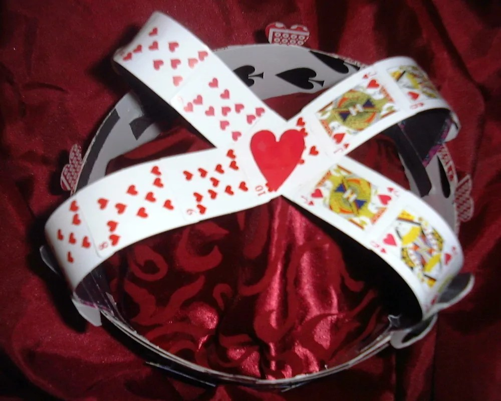 queen_of_hearts_crown_3_by_sweetmusic27