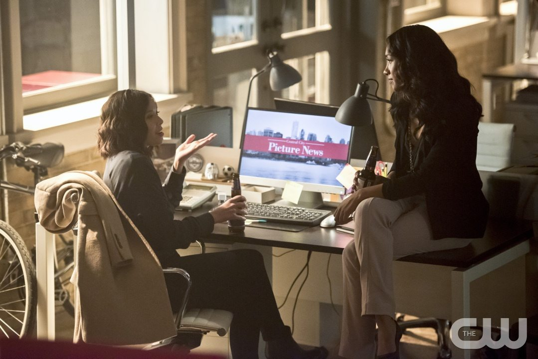 "The Flash -- ""Enter Zoom"" -- Image FLA206B_0162b.jpg -- Pictured (L-R): Malese Jow as Linda Park and Candice Patton as Iris West -- Photo: Dean Buscher/The CW -- �© 2015 The CW Network, LLC. All rights reserved."