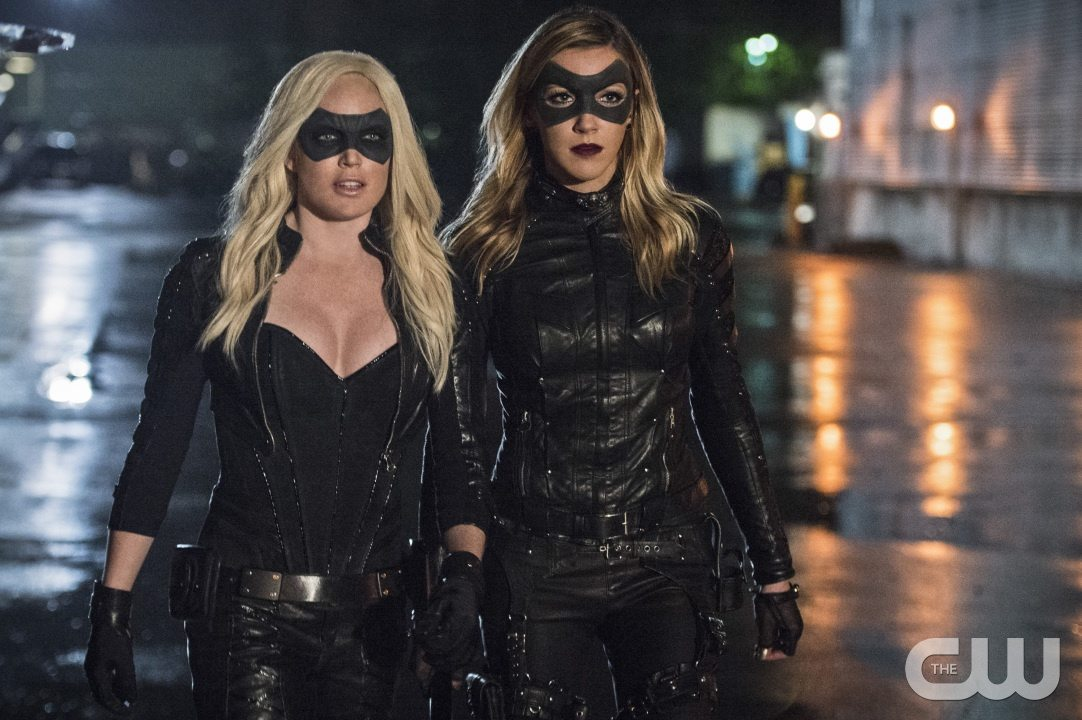"""Arrow -- """"Lost Souls"""" -- Image AR406B_0366b.jpg -- Pictured (L-R): Caity Lotz as Sara Lance and Katie Cassidy as Laurel Lance -- Photo: Cate Cameron/ The CW -- �© 2015 The CW Network, LLC. All Rights Reserved."""