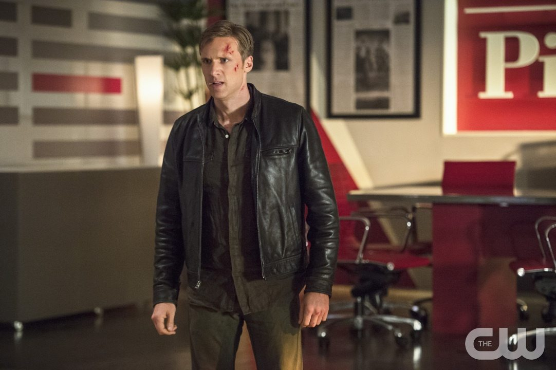 "The Flash -- ""The Darkness and the Light"" -- Image FLA205B_0306b.jpg -- Pictured: Teddy Sears as Jay Garrick -- Photo: Cate Cameron/The CW -- �© 2015 The CW Network, LLC. All rights reserved."