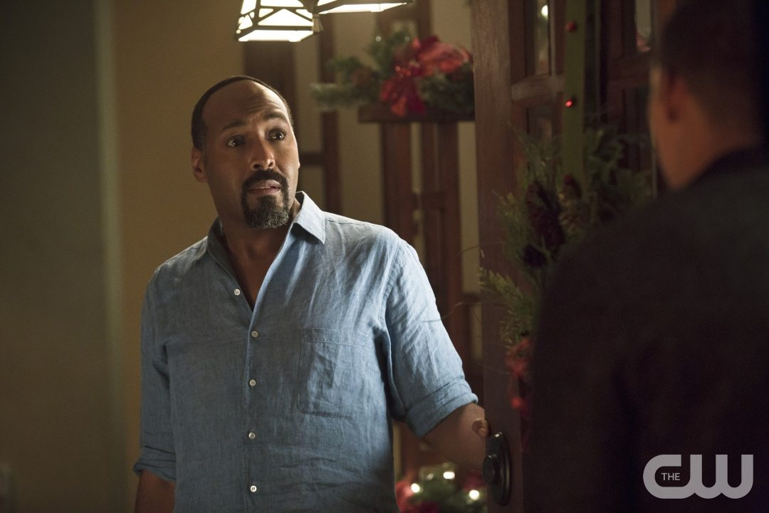 "The Flash -- ""Running to Stand Still"" -- Image: FLA209b_0173b.jpg -- Pictured: Jesse L. Martin as Detective Joe West -- Photo: Katie Yu/The CW -- �© 2015 The CW Network, LLC. All rights reserved."