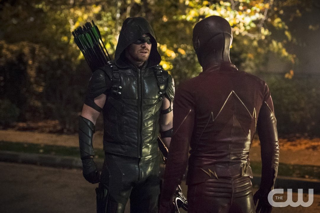 """The Flash -- """"Legends of Today"""" -- Image FLA208B_0258b.jpg -- Pictured (L-R): Stephen Amell as The Arrow and Grant Gustin as The Flash -- Photo: Cate Cameron/The CW -- �© 2015 The CW Network, LLC. All rights reserved."""