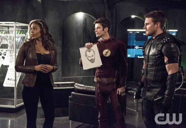 """The Flash -- """"Legends of Today"""" -- Image FLA208B_0011b.jpg -- Pictured (L-R): Ciara Renee as Kendra Saunders, Grant Gustin as Barry Allen and Stephen Amell as Oliver Queen -- Photo: Cate Cameron/The CW -- �© 2015 The CW Network, LLC. All rights reserved."""