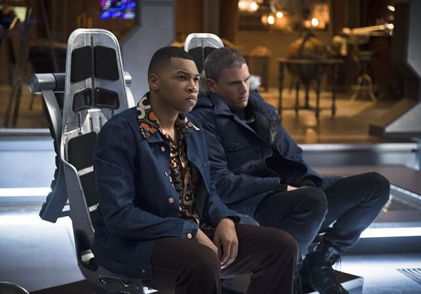 "DC's Legends of Tomorrow -- ""Pilot, Part 2"" -- Image LGN102_20150930_0159b.jpg -- Pictured (L-R): Franz Drameh as Jefferson ""Jax"" Jackson and Wentworth Miller as Leonard Snart/Captain Cold -- Photo: Diyah Perah/The CW -- �© 2015 The CW Network, LLC. All Rights Reserved."