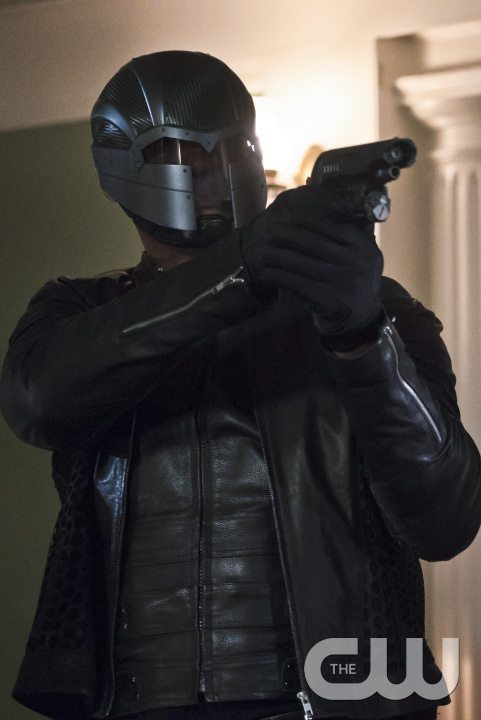 "Arrow -- ""Blood Debts"" -- Image AR410B_0220b.jpg -- Pictured: David Ramsey as John Diggle -- Photo: Katie Yu/ The CW -- �© 2015 The CW Network, LLC. All Rights Reserved."