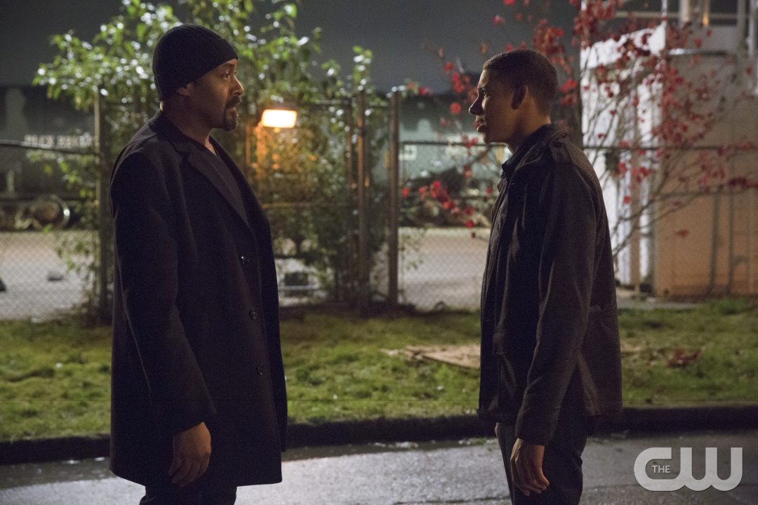 "The Flash -- ""Potential Energy"" -- Image FLA210a_0363b -- Pictured (L-R): Jesse L. Martin as Detective Joe West and Keiynan Lonsdale as Wally West -- Photo: Jack Rowand/The CW -- �© 2016 The CW Network, LLC. All rights reserved."