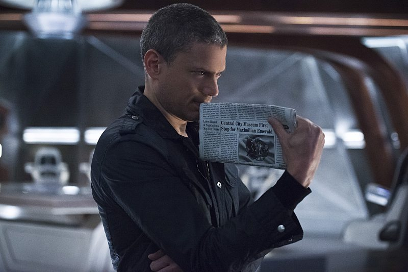"""DC's Legends of Tomorrow -- """"Blood Ties"""" -- Image LGN103A_0025b.jpg -- Pictured: Wentworth Miller as Leonard Snart/Captain Cold -- Photo: Cate Cameron/The CW -- �© 2016 The CW Network, LLC. All Rights Reserved."""